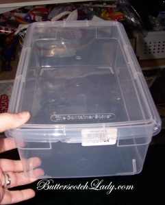 Great size without wasting space with a lid that overhangs the box too much.